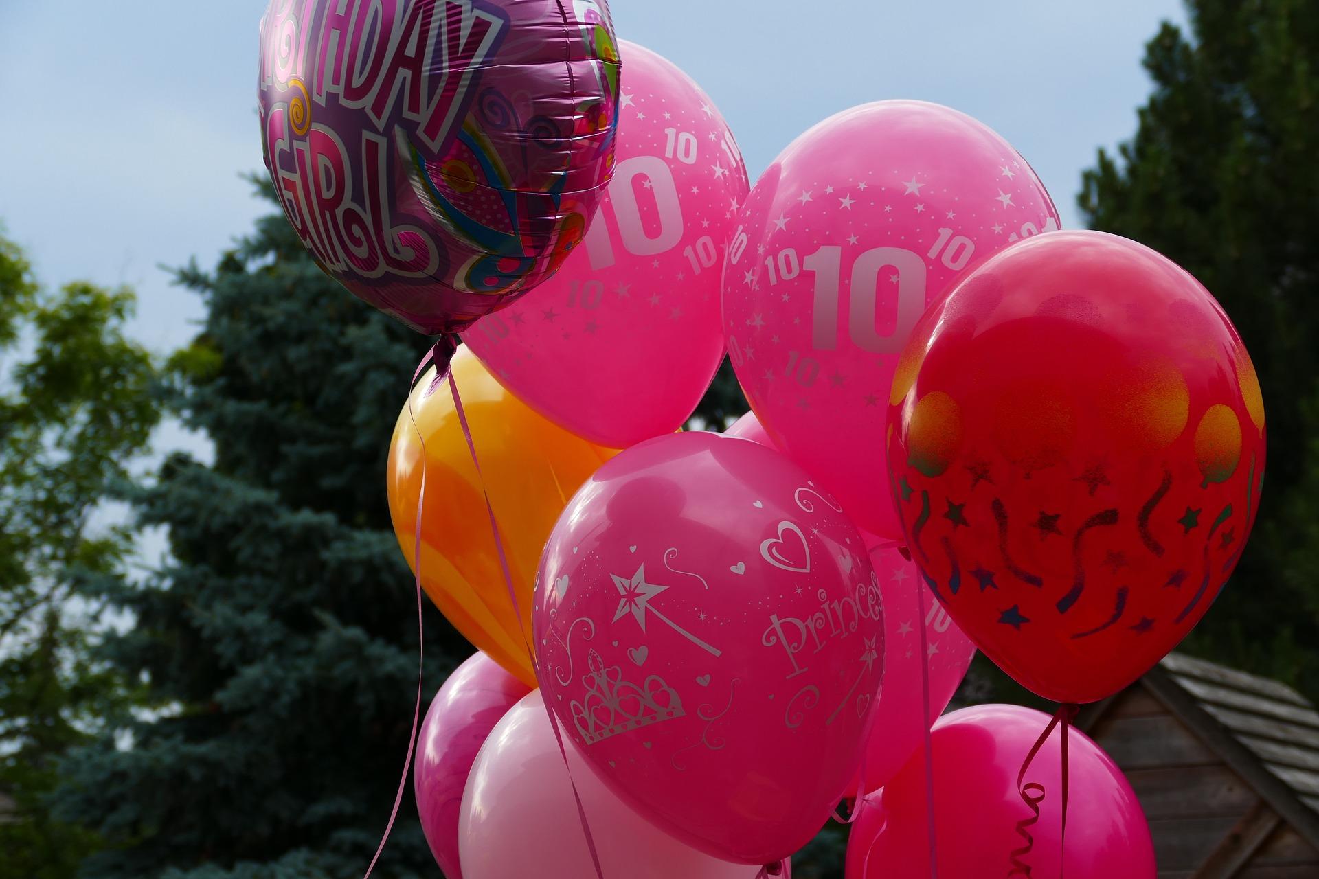 balloons-878937_1920